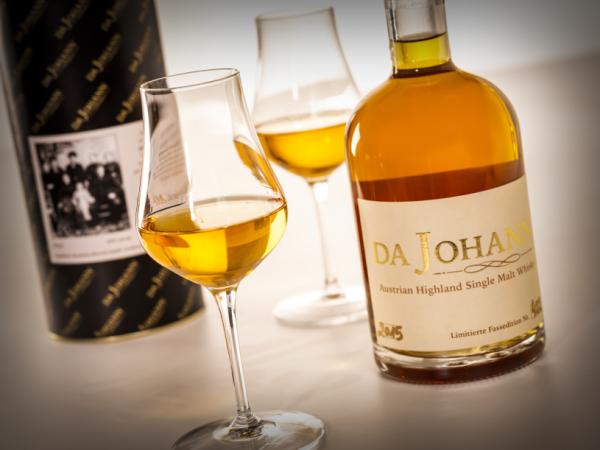 Bio Whisky Da Johann mit Ötscher Spirits Gläsern